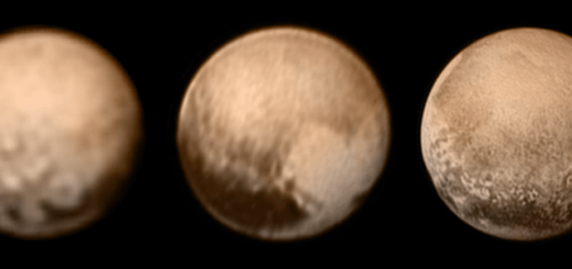 Montagem com cinco imagens de observações de Plutão em momentos distintos. Uma imagem da observação do telescópio Hubble e quatro imagens de observações da sonda New Horizons.
